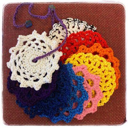 Chakliinat eli chakrojen hoitoon tarkoitetut värikkäät pikkuliinat