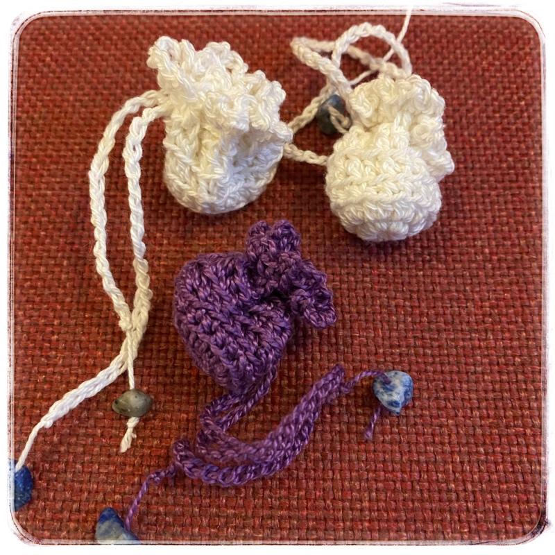 Valkoisia ja violetteja LaventeliNyyttejä
